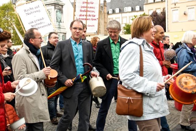 Roberto Traversini, Gérard Anzia, Claude Adam à la marche de solidarité contre la faim