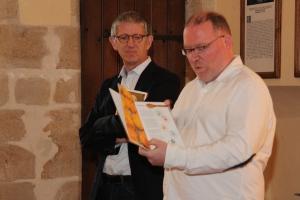 Michel Grevis vom Centre SNJ Hollenfels stellt sein Buch vor. (Samstag, 22. November 2014)