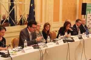 Briefung des 57 observateurs que le congrès des pouvoirs locaux et régionaux du Conseil de l'Europe a envoyé en Ukraine